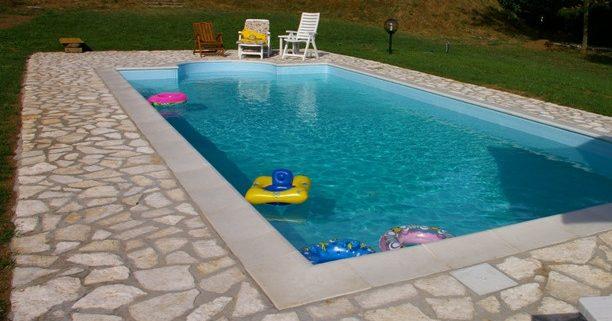 Bambini in piscina divertimento e sicurezza cecconi - Piscine x bambini ...