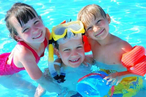 Sicurezza in piscina per i più piccoli