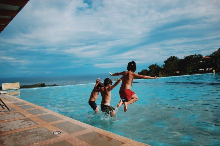 giochi in piscina